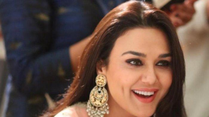 Preity Zinta Sebut Jadi Artis Sama Saja Jual Diri, Llau Pilih Absen dari Karir Bollywood