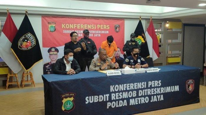 Pria Ini Ngaku Polisi, Bawa iPhone 11 ke Polda Metro Jaya, Ditangkap karena Menipu Modus COD