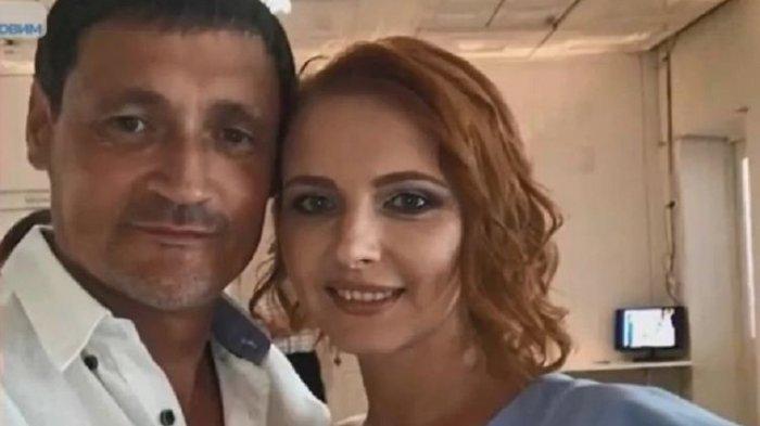 Dmitry dan tunangannya, Tatyana. Pria di Ukraina itu kini mendekam di penjara karena tak sengaja membunuh calon istrinya saat memamerkan senjata ke temannya.