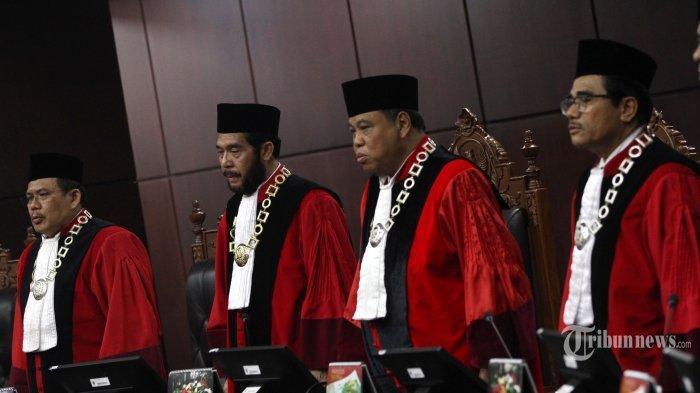 Sengketa Hasil Pilpres 2019 Berlanjut, Inilah Sembilan Hakim MK yang Menangani Gugatan Prabowo-Sandi
