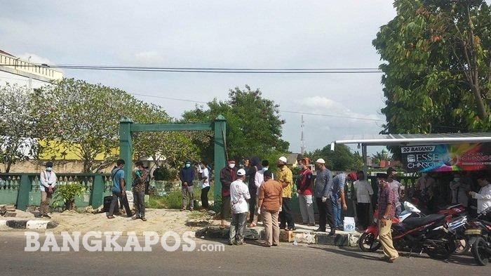 Suasana di pemakaman umum Jalan Mentok, Kota Pangkalpinang, Minggu (04/10/2020)