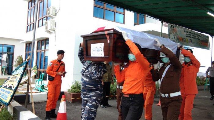 Hujan, Pesawat Lion Air Bawa Jenazah Xherdan Mendarat Sementara di Palembang