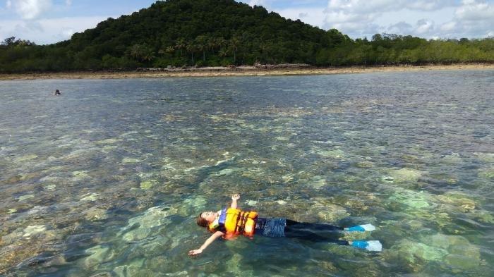 Mau Berpetuangan dan Wisata Seru, Yuk ke Pulau Kelapan, Nikmati Cantiknya Surga Bawah Laut