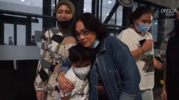 Begini Reaksi Oma Nathalie Holscher yang Datang dari Belanda saat Kenalan sama Anak Sule: Cucu Unyil