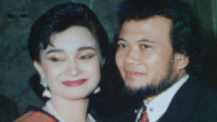 Mengenal Ricca Rachim, Tetap Setia 35 Tahun Jadi Istri Rhoma Irama Meski Berkali-kali Dipoligami