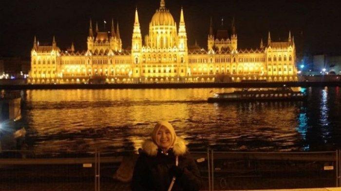 Rini Arianti, Kejar Impian Jadi Doktor Sampai Eropa, Rela LDR dengan Suami Demi S3 - rini-5.jpg