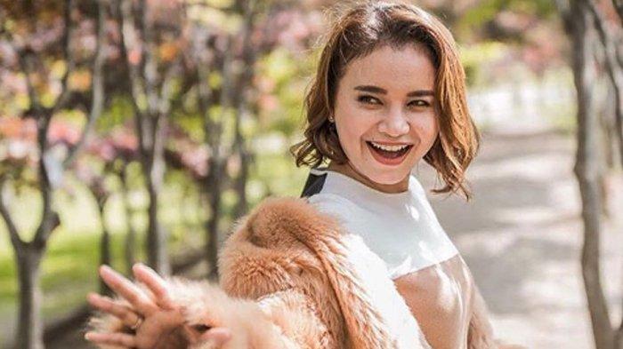 Lengket Seperti Orang Pacaran, Rossa Tulis Kalimat Cinta Saat Liburan Bareng Afgan di Tokyo