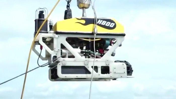 TNI turunkan robot penyelam rov cari black box sriwijaya air sj182 yang jatuh di kepulauan seribu