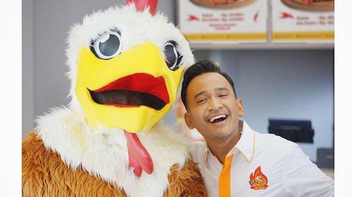 Ruben Onsu pemilik Ayam Geprek Bensu