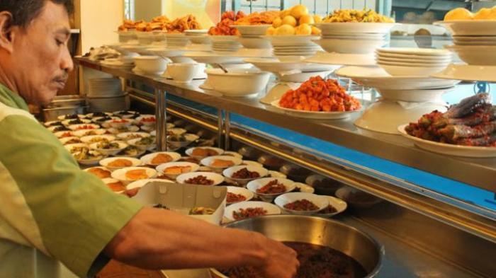 Kisah yang Jarang Diketahui dari Rumah Makan Padang: Dari Rendang hingga Rahasia Saji