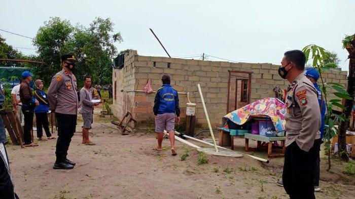 12 Rumah Warga Pemali Rusak Berat Dihantam Angin Puting Beliung, Kapolsek Pemali Turun Tangan