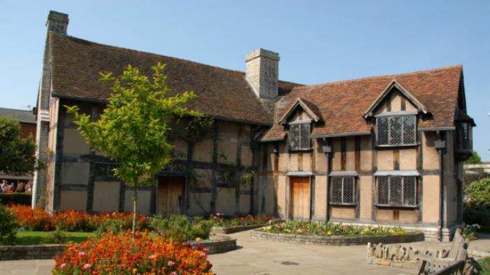 Rumah Shakespeare Punya Ruangan Khusus