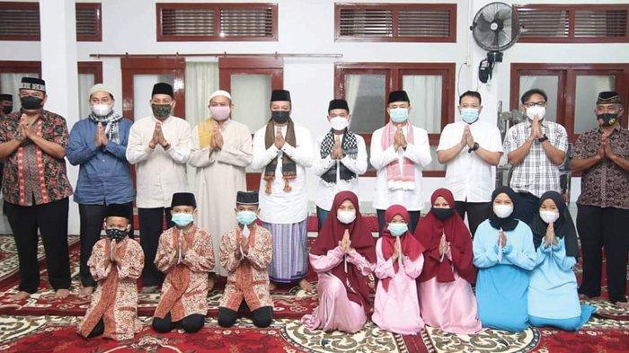 Bupati dan Wakil Bupati Bangka Serahkan Insentif Marbot dan Imam Masjid - safari-ramadan-bupati-bangka-mulkan1.jpg