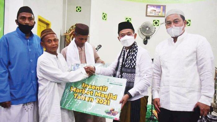 Bupati dan Wakil Bupati Bangka Serahkan Insentif Marbot dan Imam Masjid - safari-ramadan-bupati-bangka-mulkan2.jpg