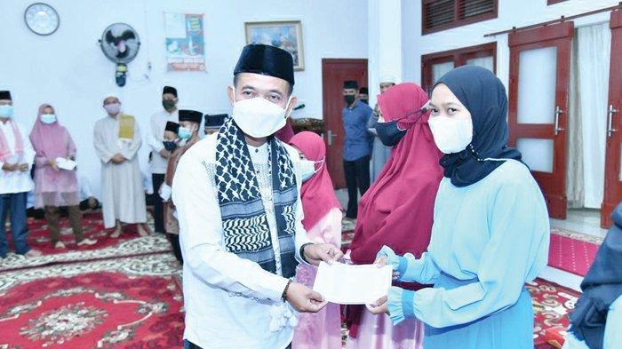 Bupati dan Wakil Bupati Bangka Serahkan Insentif Marbot dan Imam Masjid - safari-ramadan-bupati-bangka-mulkan3.jpg