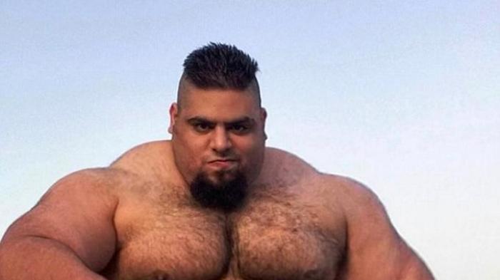Ini Hulk Asal Iran, Tubuhnya Otot Semua Bisa Mengangkat Beban Lebih Berat dari Badannya