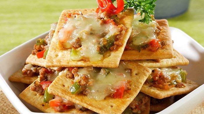 Tak Cuma Disuka Si Kecil, Crackers Ala Pizza yang Enak Pasti Jadi Rebutan Keluarga