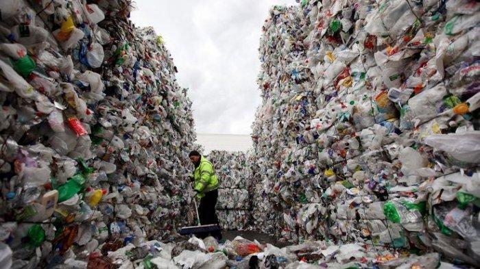 Pria Asal India Ini Gunakan 470 kg Sampah Plastik untuk Membangun Jalan Raya, Hasilnya Mengejutkan