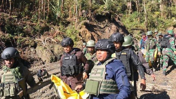 Lima Jam Baku Tembak dengan KKB di Papua, Seorang Anggota TNI Tewas Setelah Tertembak di Punggung