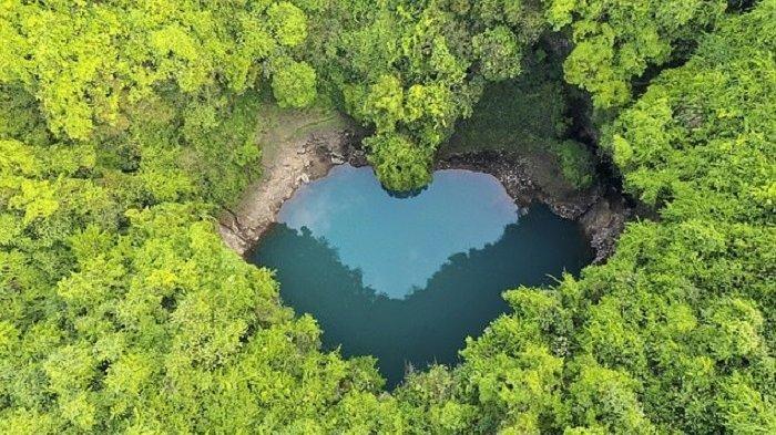 Danau Berbentuk Hati 'Muncul' dan Gemparkan Warga China, Dijuluki Lubang Air Mata Malaikat