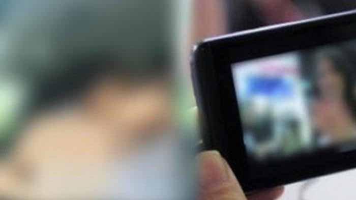 Pemuda Ini Tertangkap Basah Rekam Mama Muda Mandi, Terungkap Ada 51 Rekaman Video di Hp Pelaku