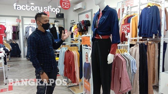 Koleksi di toko baru 3Second  konsep Family Store dengan Sistem One Stop Shoping