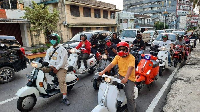 Komunitas Sekapot Scoot melakukan berbagai kegiatan dan touring
