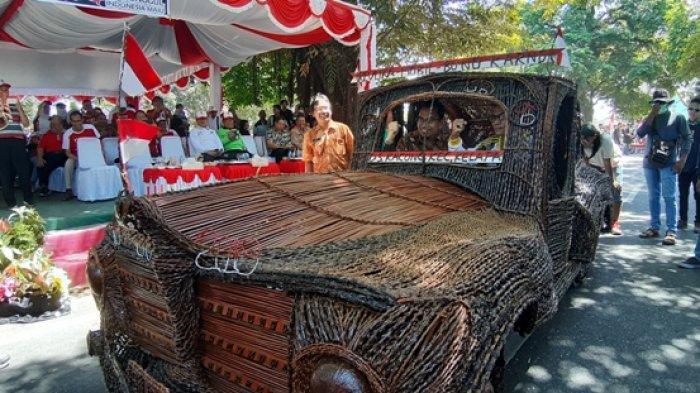 Uniknya Replika Mobil Bung Karno, Dibuat dari Tangkai Buah Beluluk Karya Pemuda Desa Kacung