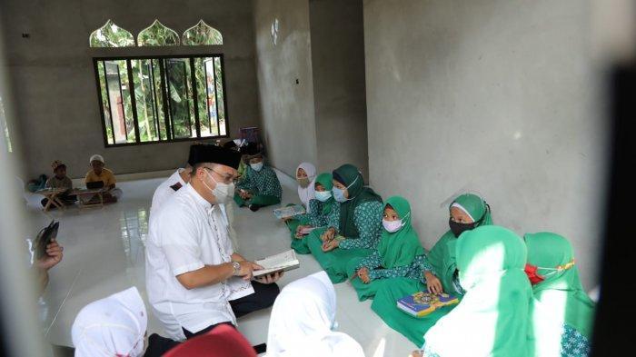 Para Guru dan Anak Didik SD MIN 1 Belitung dapat Motivasi dari Gubernur Babel