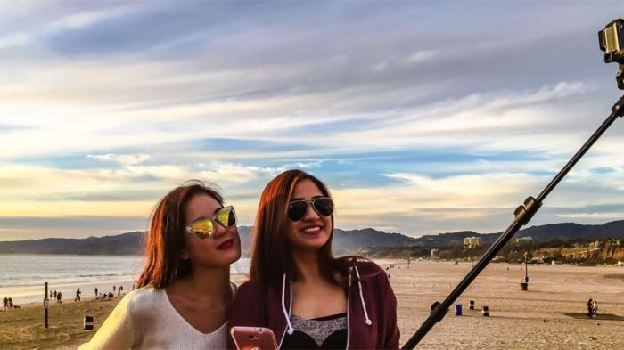 Ternyata Gaya Foto Selfie Bisa Memberika Tanda Sifat Wanita, Begini Penjelasannya