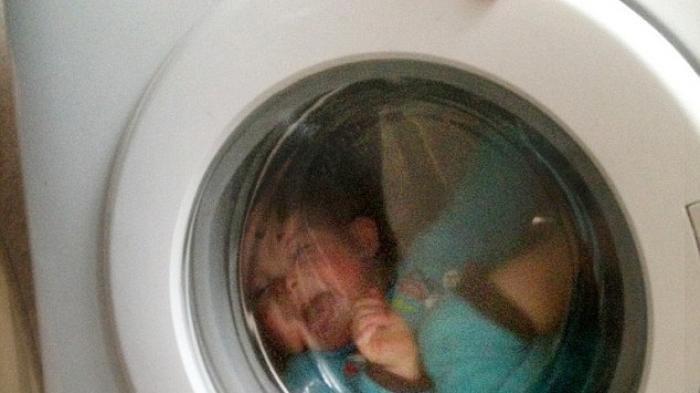 Asyik Main Petak Umpet, Anak Ini Terjebak di Mesin Cuci