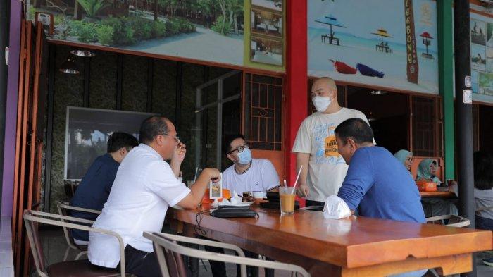 Bang ER Nikmati Kopi Asli Pulau Belitung