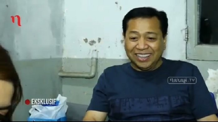 Heboh Foto Setya Novanto Pegang Dua Handphone, Jejak Mantan Ketua DPR RI Masih Disorot