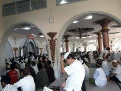 Panitia Hewan Kurban Masjid Agung Tunda Penyembelihan 16 Sapi