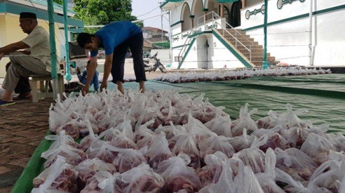 Orang yang Berhak Menerima Daging Kurban Pada Hari Raya Idul Adha