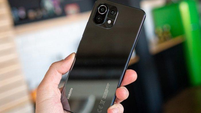 Harga Xiaomi Mi 11 Lite yang Punya Kamera Depan 16 MP