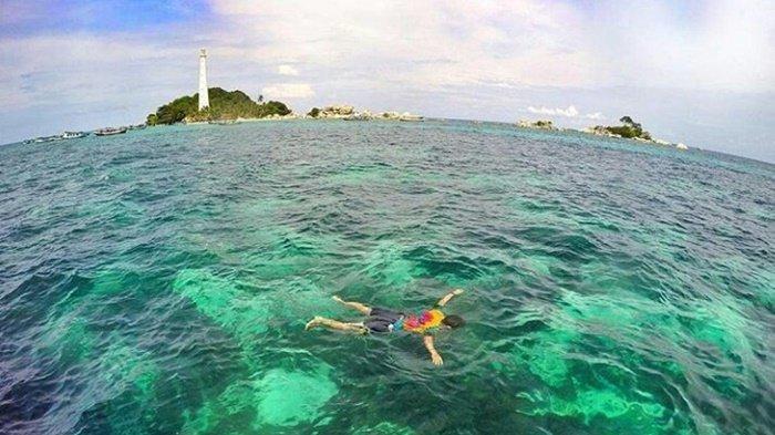 Tujuh Spot Snorkeling dengan Keindahan Bawah Laut yang Menakjubkan di Bangka Belitung