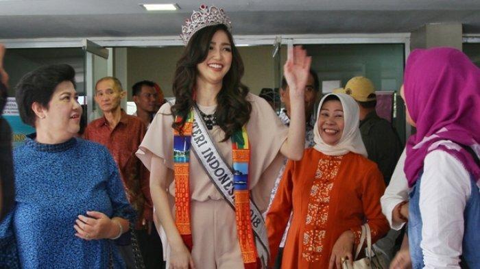 Pulang Kampung, Putri Indonesia Sonia Fergina Dapat Mobil Toyota