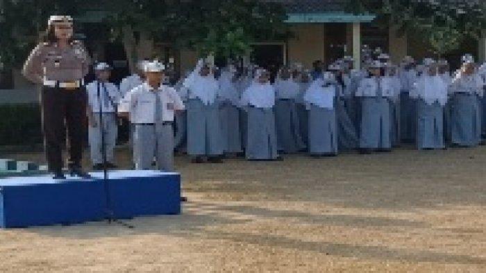 AKP Diana Sosialisasikan Operasi Patuh di SMK Negeri 1 Sungailiat