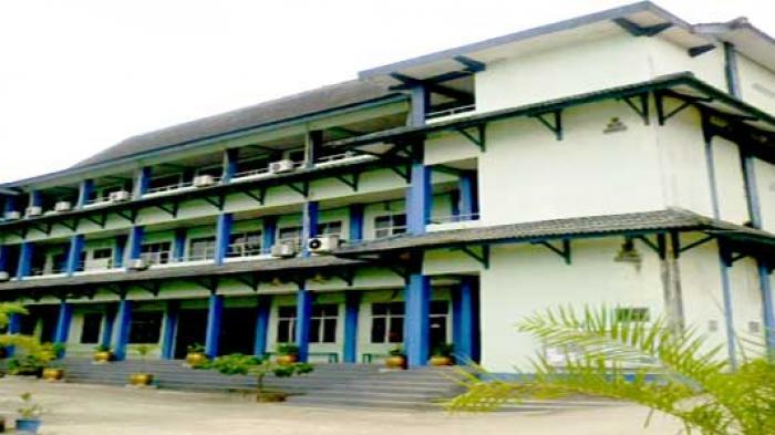 Ratusan Mahasiswa dari Stimik Atma Luhur Segera di Wisuda