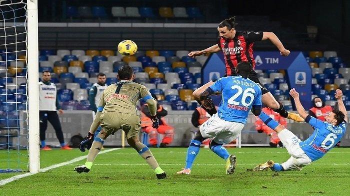 Hasil Liga Italia: Klasemen Sementara, AC Milan Gilas Fiorentina, Napoli Hancurkan AS Roma