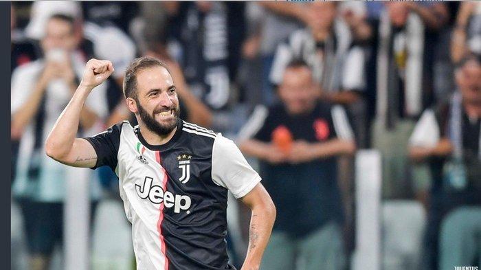 Gonzalo Higuain Resmi Pergi dari Juventus, Ternyata Sosok Ini yang Bakal Jadi Rekan Duet Ronaldo