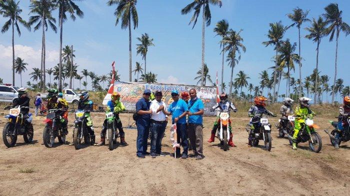 Seratus Pembalap Ngegas Bareng di Ajang Balap Motor PT Timah Tbk di Pantai Matras