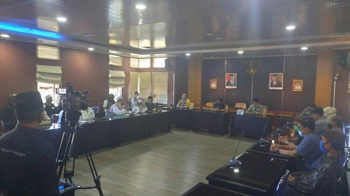 Perwakilan Front Melayu Babel Bersatu Mediasi dengan Anggota DPRD Provinsi