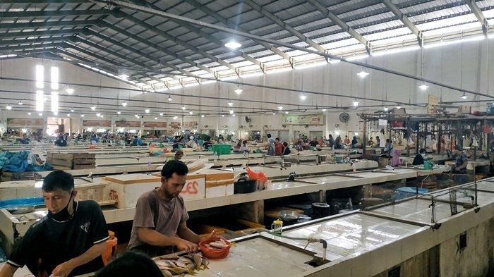 Pasar Kite Sungailiat Sepi Pembeli, Omset Pedagang Ikan Turun Drastis