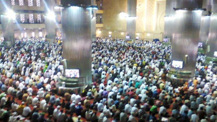 Amalan di Hari Jumat, Pria dan Wanita Bisa Lakukan, dari Sedekah Hingga Baca Surah Al Kahfi