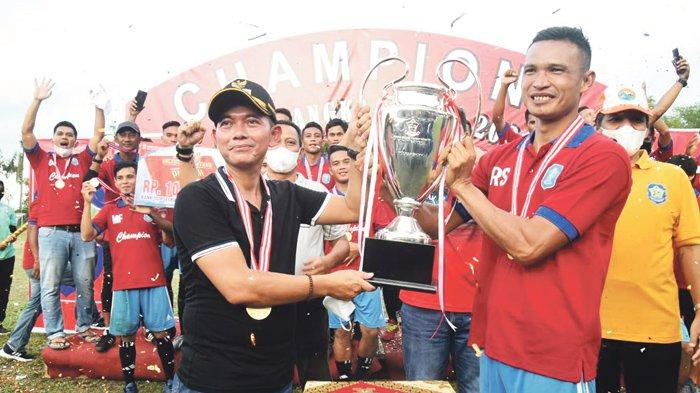 Pemkab Bangka FC  Juara Liga Bangka Setara 2021 - suasana-liga-bangka-setara-2021-yang-berlangsung-di-stadion-orom-sungailiat-minggu-283.jpg