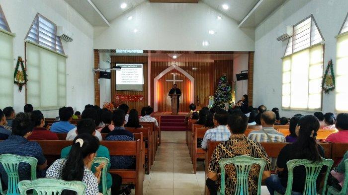 Jemaat Gepekris Kelapa Kampit Rayakan Natal Secara Khidmat