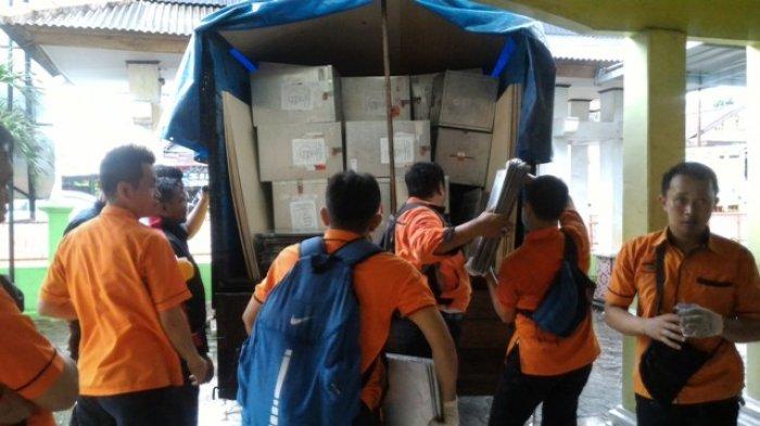 Pilkada Pangkalpinang,KPU Mulai Distribusikan Logistik di Tujuh Kecamatan