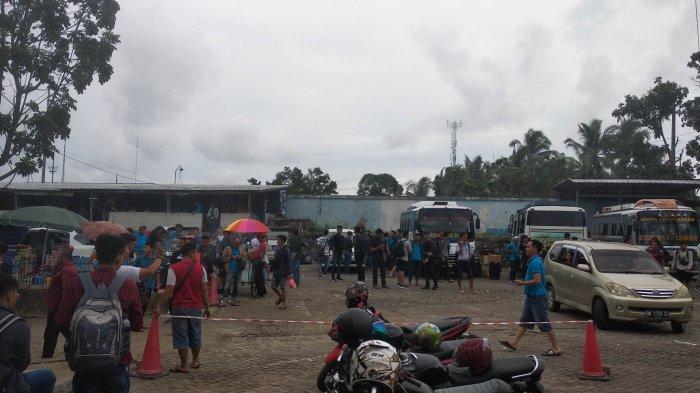 Sopir Bus di Pelabuhan Pangkalbalam Antar Penumpang Arus Balik ke Berbagai Kabupaten